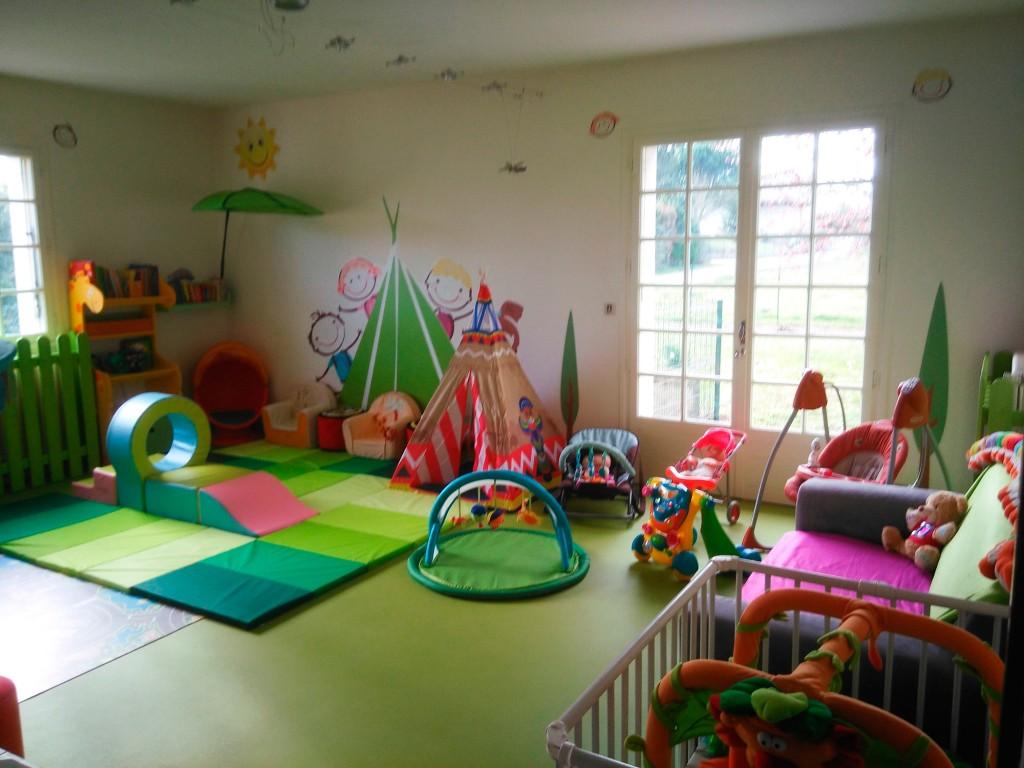 Salle de jeux le tipi des galopins - Jeux de decoration maison ...